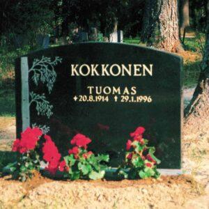Varpaisjärven musta 60x80x15, hautakivien hintavertailu, hautakivi, hautamuistomerkki, Kiviveistämö Levander