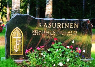 19) Mäntsälän punainen (65x120x15cm).