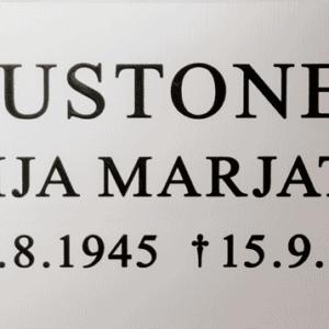 Muistolaatta hautakiveen pk-seudulle, laaja valikoima.
