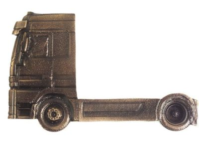 8) Pronssinen kuorma-auto