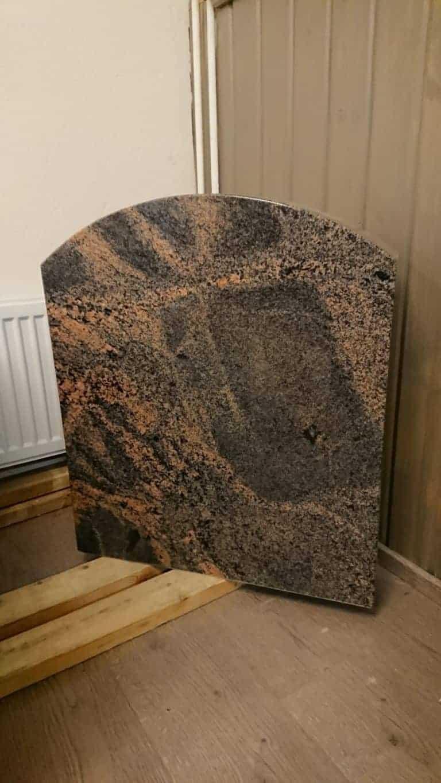 Hautakivet edullisesti, suoraan valmistajalta. Kivi Levander toimii pk-seudulla.